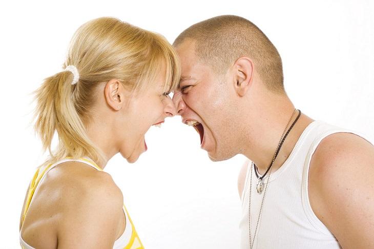 סימנים לבני זוג קנאיים