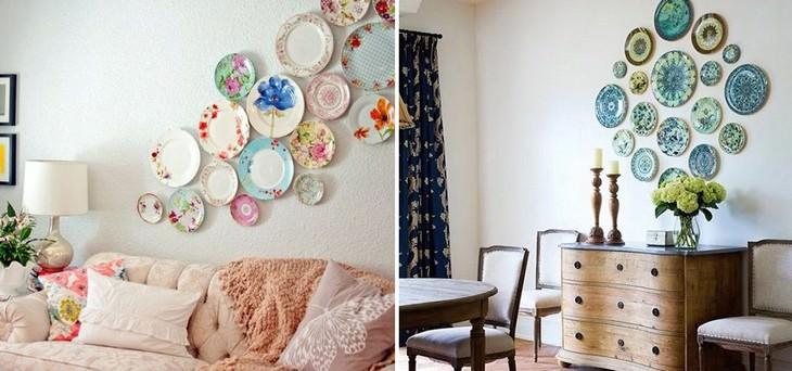 צלחות צבעוניות תלויות על הקיר
