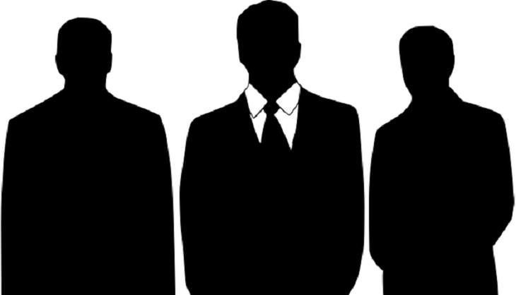 3 צלליות של גברים