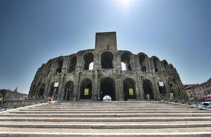 התאטרון הרומי של ארל