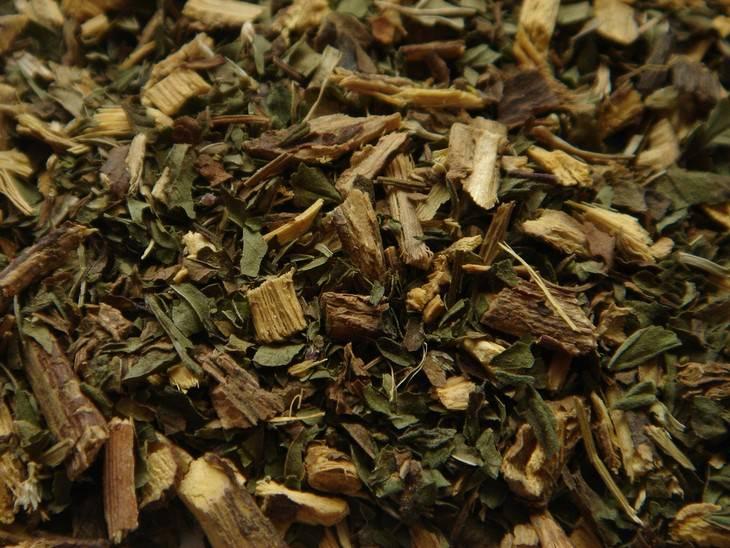 חליטת תה ליקוריץ