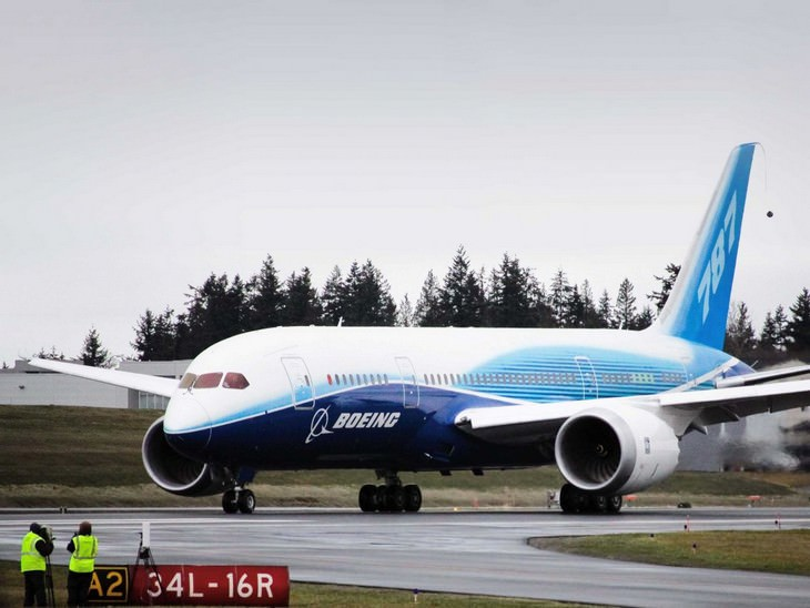 בואינג 787-8 BBJ על מסלול המראה