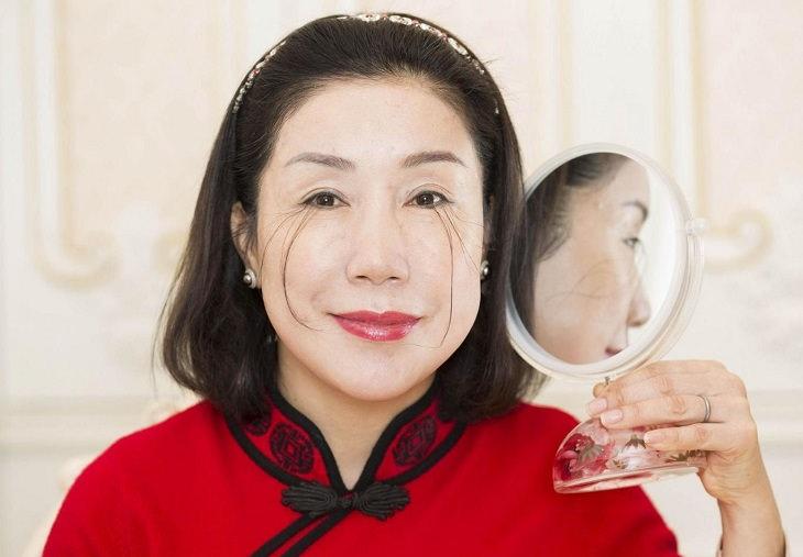 ספר השיאים של גינס לשנת 2018: האישה עם הריסים הארוכים בעולם