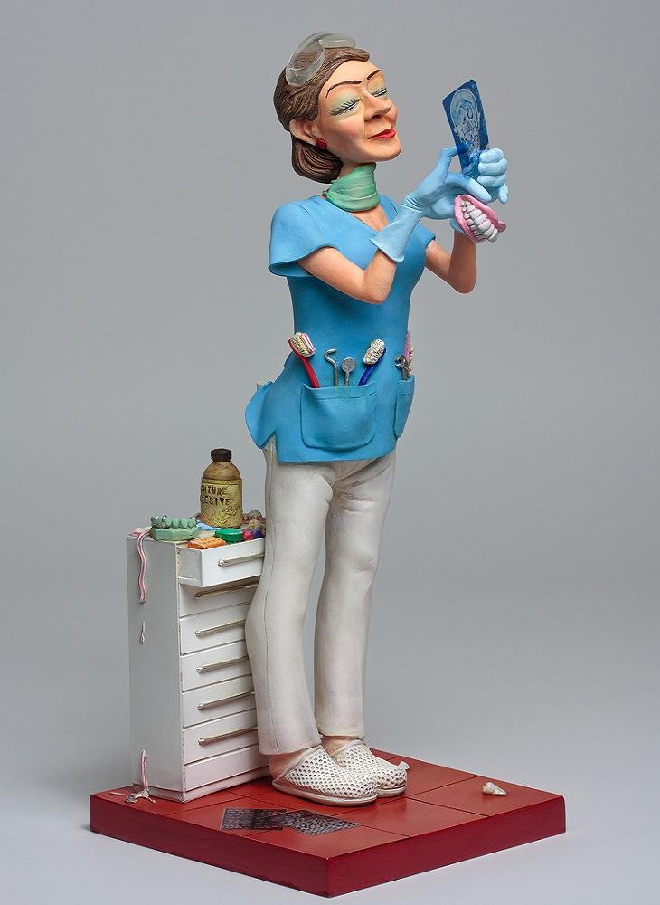 רופאת שיניים
