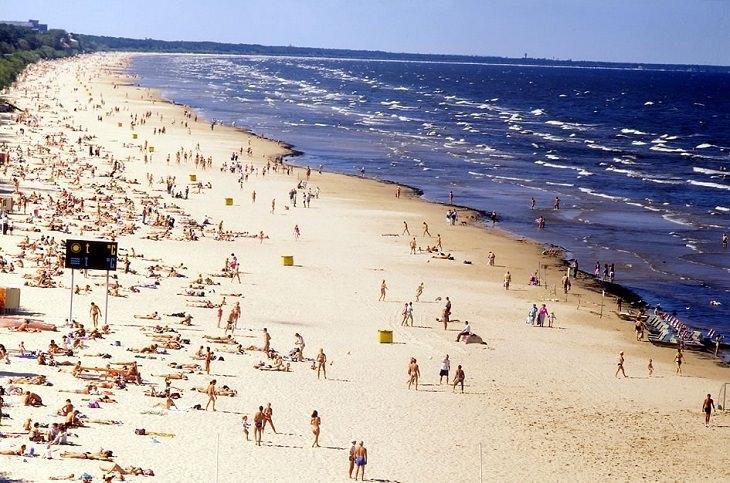 חוף ים ביורמלה