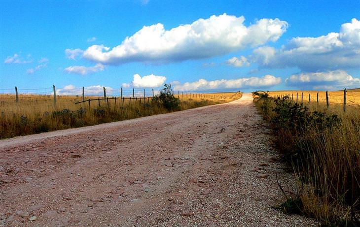 שביל הליכה באזור מונטה סובסיו