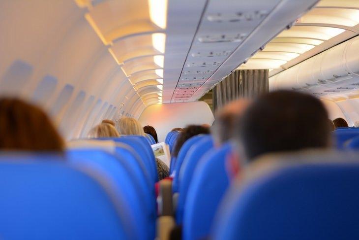 פנים מטוס נוסעים