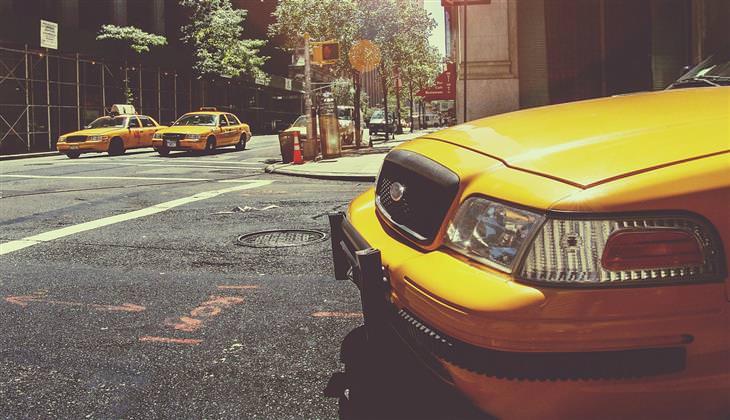 מונית בכביש