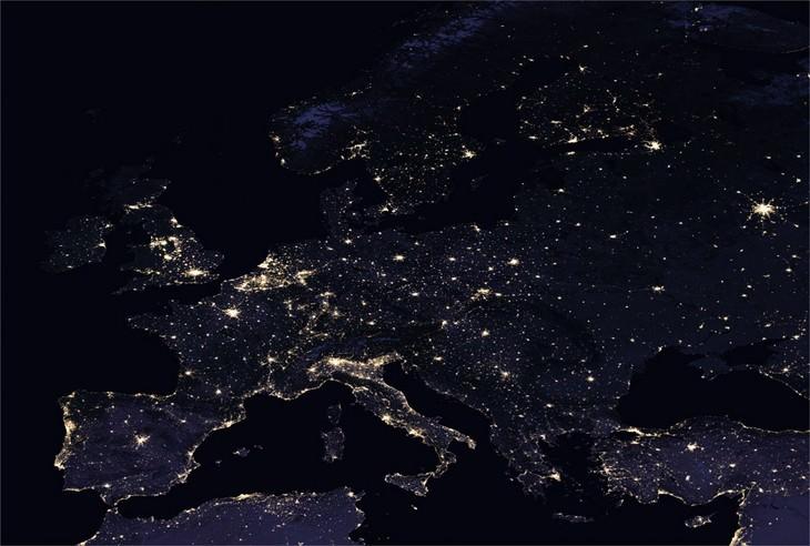 תמונות של כדור הארץ בלילה
