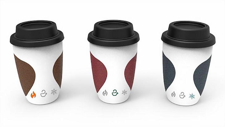 3 כוסות קפה מפלסטיק