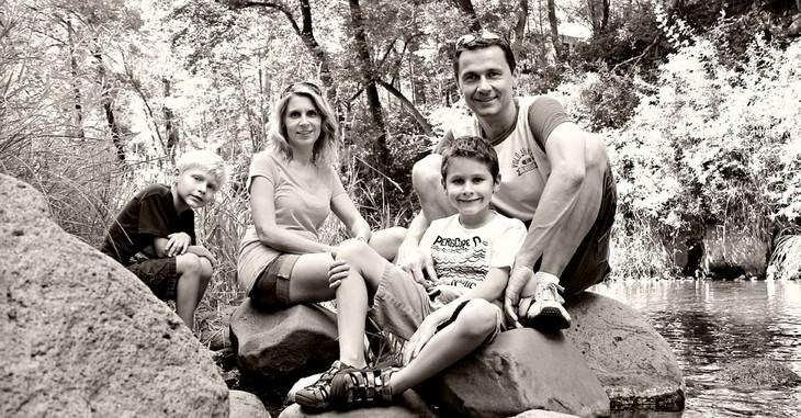 משפחה בחיק הטבע