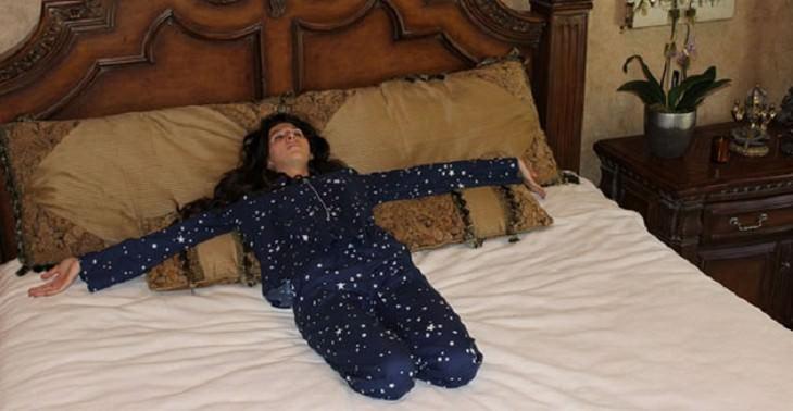 תנוחות יוגה לשינה
