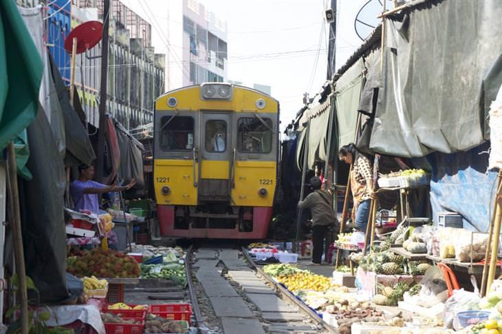 רכבת שוק מאקלונג