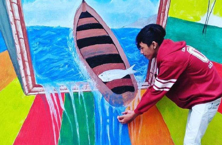 """ציור קיר בכפר """"הקשת בענן"""" - קמפנג פלאנג'י באינדונזיה, אחרי המהפך בחזותו"""