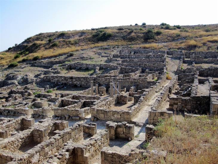 קמירוס