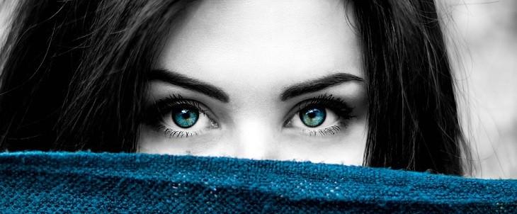 עיניים של אישה