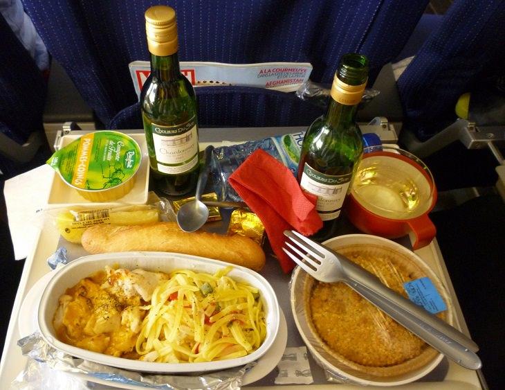 ארוחה במטוס