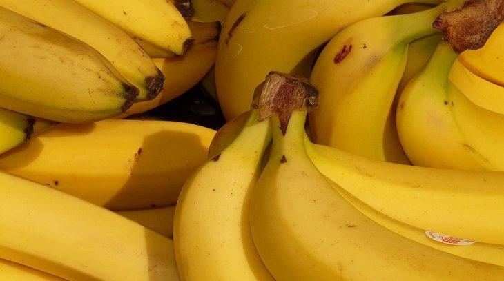 אשכולות של בננות