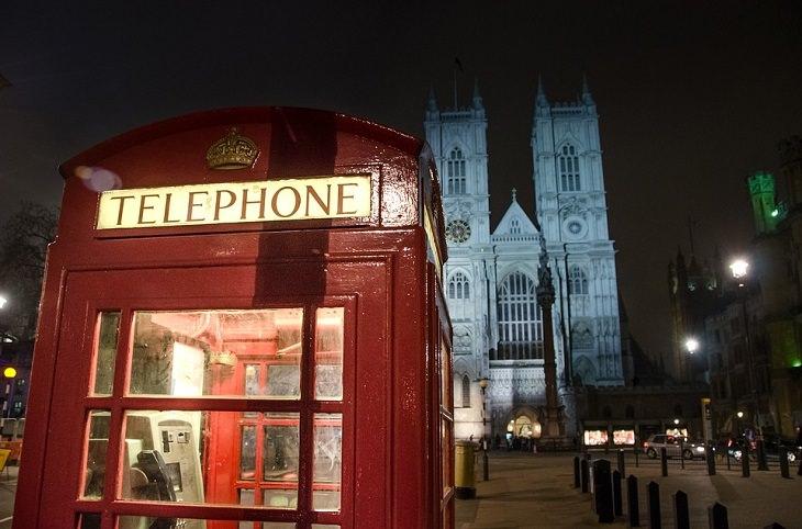 טלפון ציבורי בריטי אדום