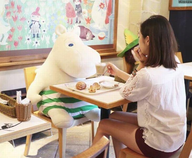 בית קפה מומינים לאנשים בודדים