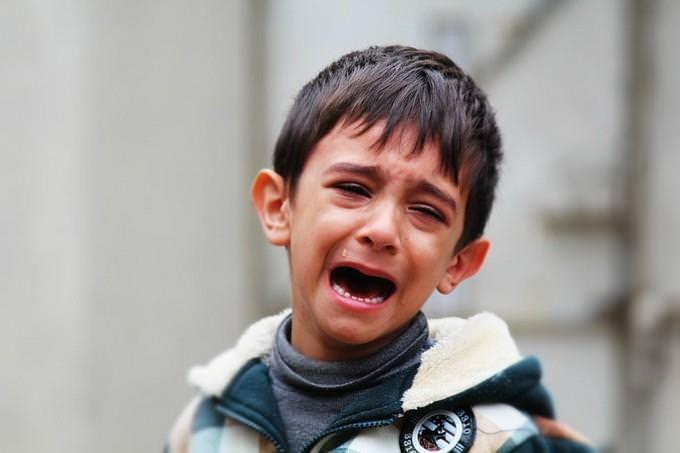 ילד בוכה