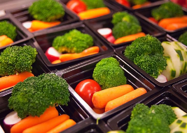 מעבר לדיאטה צמחונית או טבעונית: צלחות ירק קטנות