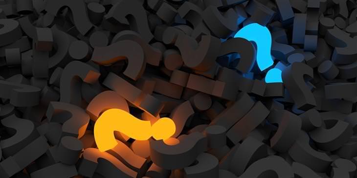 חידות מהנות: ערימת סימני שאלה כששניים מהם דלוקים