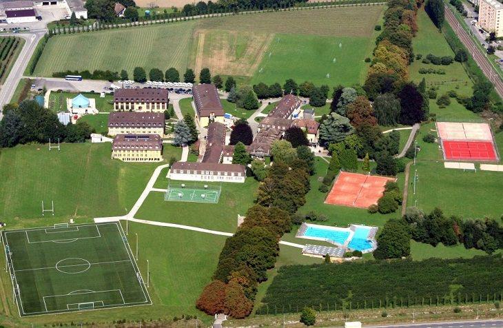 בית הספר היקר בעולם: צילום אוויר של לה רוזי