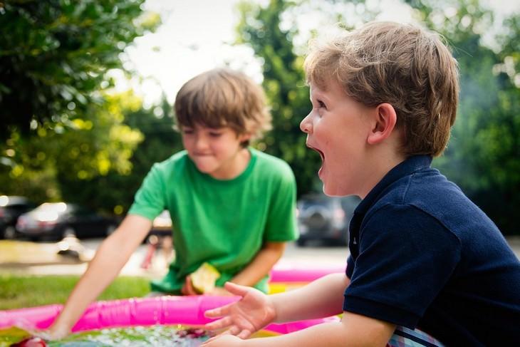 הרגלים גרועים של הורים שצריך לשבור: ילד צועק
