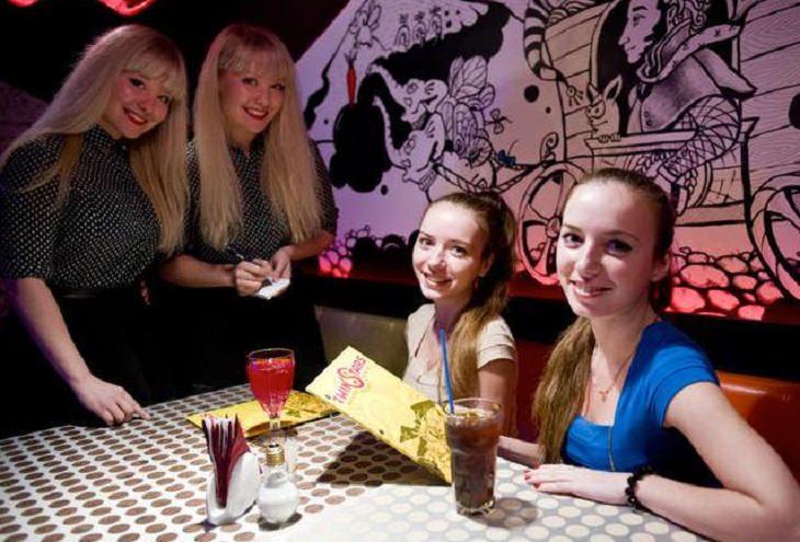מסעדות מוזרות: מזללת כוכבי התאומים, מוסקבה, רוסיה