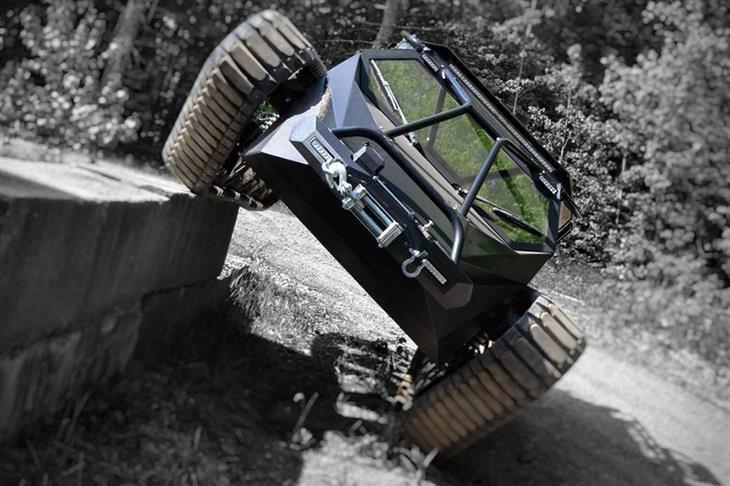 רכב שטח מדהים - Ripsaw EV2