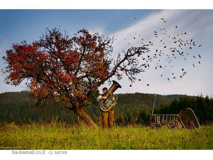 איש מנגן בסקסופון