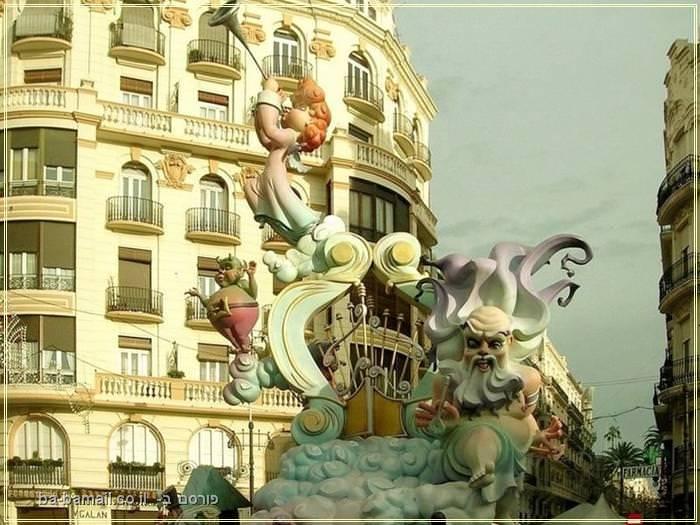 יצירות מדהימות מפסטיבל העץ בספרד