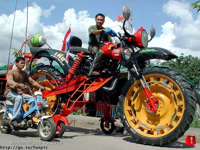 אופנועים, כלי רכב, הזוי
