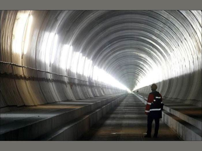 המנהרה הארוכה בעולם יוצאת לדרך