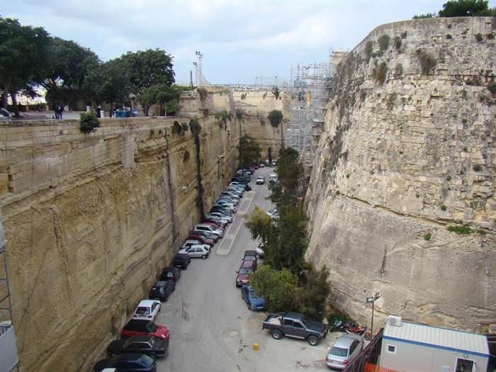 מלטה - אי קטן עם היסטוריה ענקית