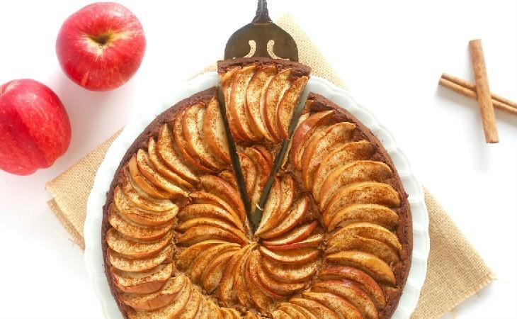 מתכון לעוגת תפוחים פרווה בניחוח קינמון