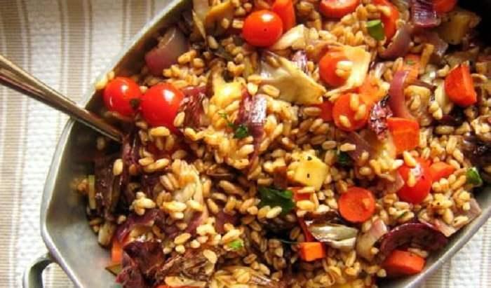 מתכון לסלט כוסמין, עגבניות וגבינת פונטינה