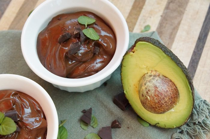 מתכון לפודינג אבוקדו ושוקולד מריר