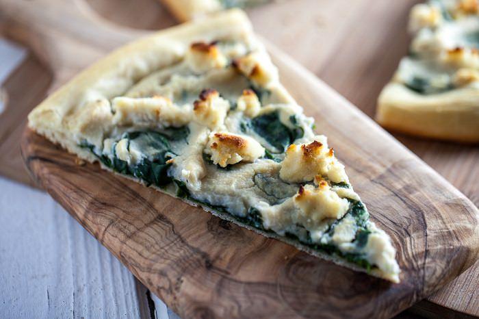 מתכון לפיצה גבינות ותרד