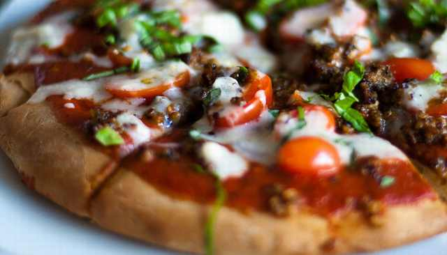 מתכון לפיצה ללא גלוטן על בסיס קינואה