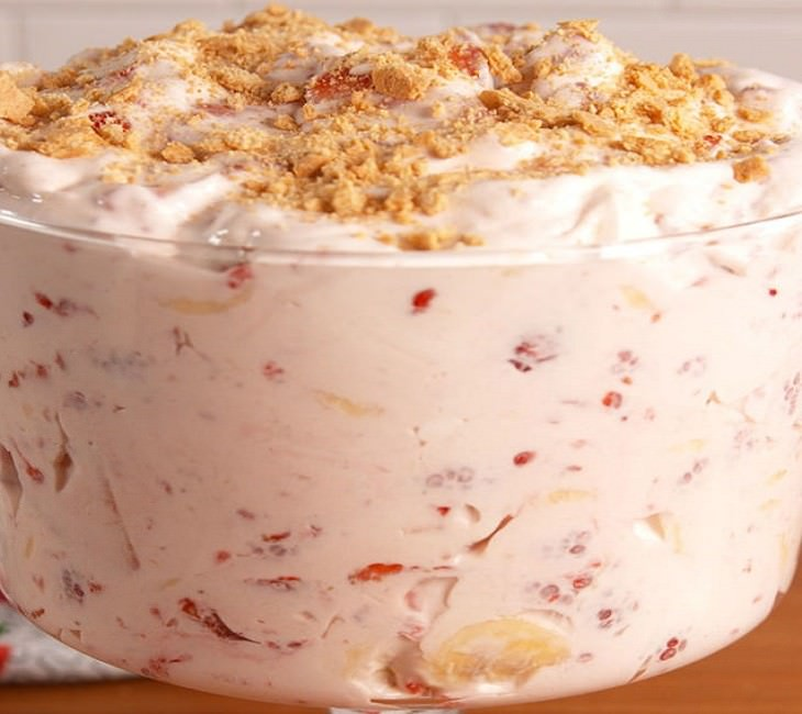 מתכון לסלט תותים וקציפת עוגת גבינה