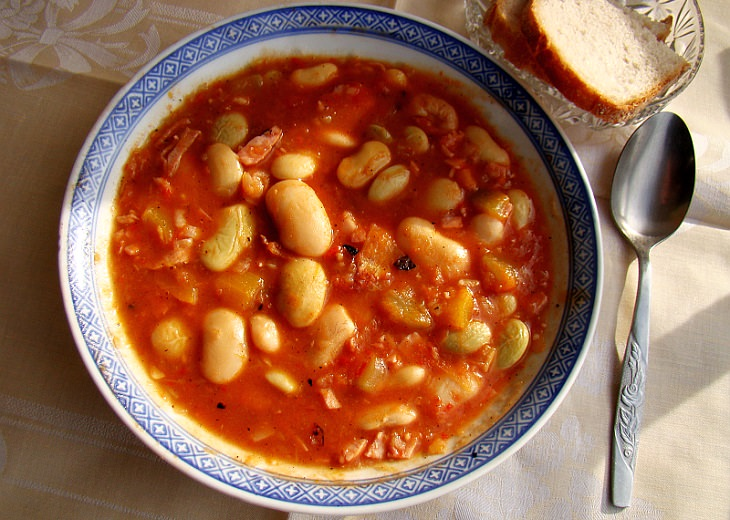 מתכון למרק שעועית יווני - פסולדה