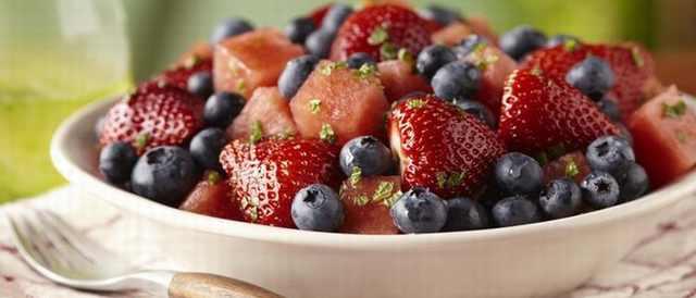 מתכון לסלט פירות אביבי מרענן